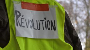 """Yellow Vests: The search for a """"collective Robespierre"""", for a new Incorruptible!"""